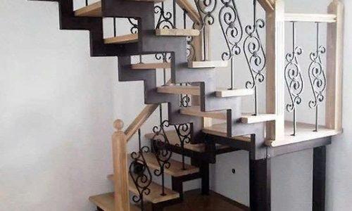 Лестница с поворотом на 180 градусов